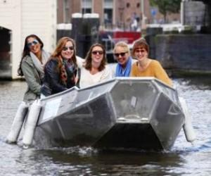 Sloepje huren Amsterdamse grachten Boaty