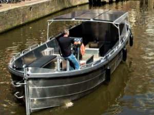Sloepvrienden sloep huren Amsterdamse rondvaart voordeligste grote sloep met schipper