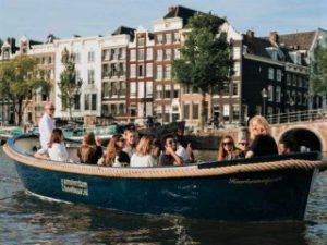 Grachtenboot Amsterdam Haarlemmerpoort