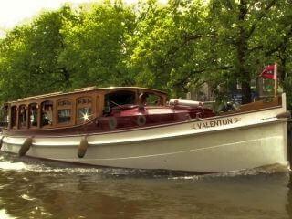 Salonboot 'Valentijn ' privé rondvaart in weelderige luxe