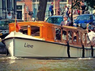 Salonboot 'de Lieve ' klassieke en persoonlijke privé rondvaart