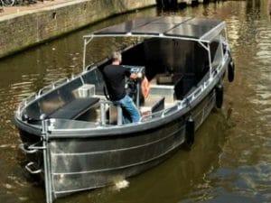 Grachtentour Amsterdam offenes Boot mieten Sloepvrienden