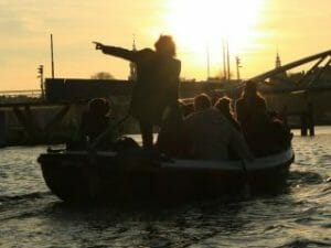 Kanalfahrt Amsterdam offene Schaluppe Those Dam Boat Guys