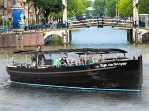 Kanalfahrt Grachten Amsterdam offene Schaluppe Lovers Small Boats Cruise