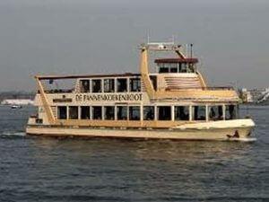 Pfannkuchenschiff Bootsfahrt mit Essen Amsterdam