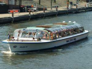 Reederei Plas Amsterdam Damrak Grachtenrundfahrt Rundfahrtboot