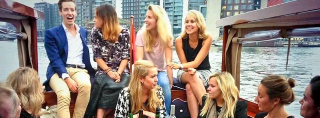 Salonboot sloep huren schipper boottocht grachten Amsterdam